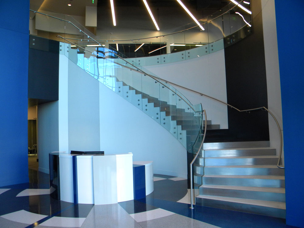 AvAir - Radius glass, stainless steel puck system, and risers.
