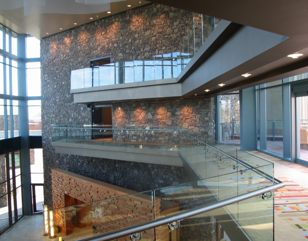 Radisson at Fort McDowell - Glass in shoe with stainless steel handrail.