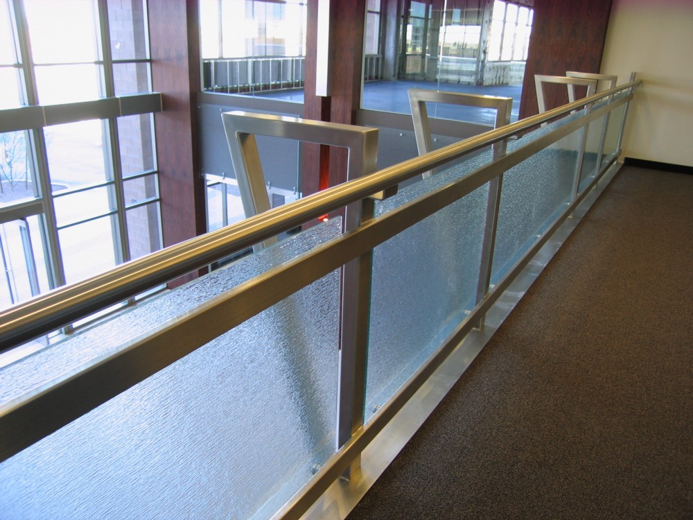 Chandler Echelon - textured glass with stainless steel post and handrail.