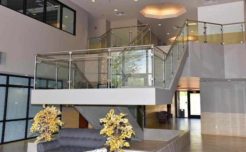 Scope: Stainless steel ang glass railings. Contractor: Suft Construction